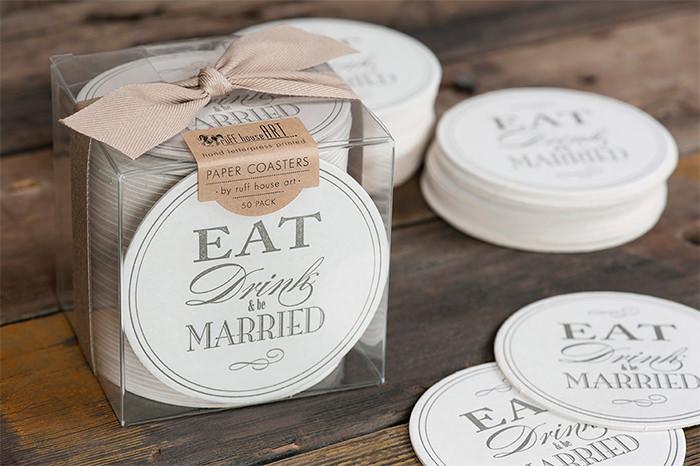 20 прекрасных дизайнов свадебных подставок для вашего вдохновения